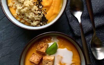 zupa dyniowa, tajska z mango